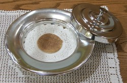 Why use unleavened bread in the Lord's Supper?